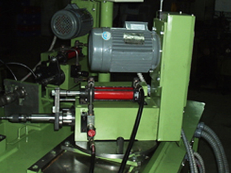 Quill Feed Drilling Heads